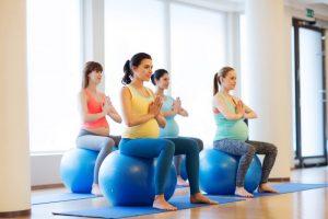 Йога для беременных: влияние на организм мамы и малыша