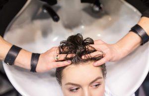 Уход за волосами летом и зимой. Рекомендации